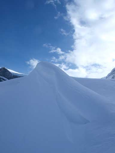Interesting snow formation, near the top of 1st head-wall