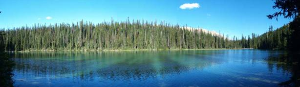 A wide shot of Yoho Lake