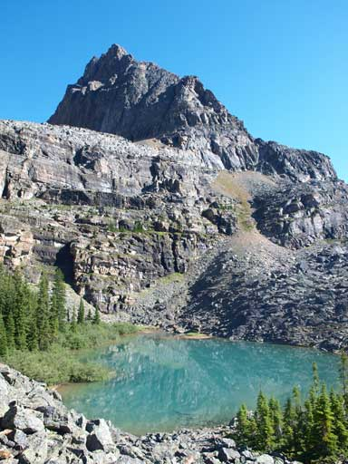 The north summit of Yukness looms behind Yukness Lake