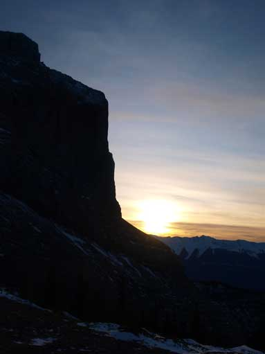 Sunset behind the impressive Miette's face