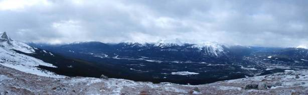 A panorama of the Athabasca Valley. This time, towards Icefield Parkway side.