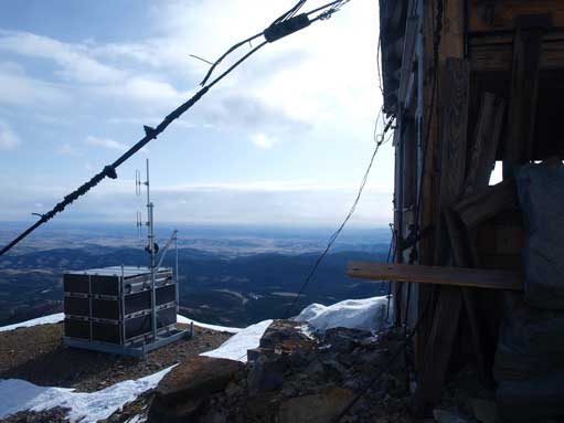 There is a big shelter on the summit. It's actually a fire lookout, but serves as a good wind shelter.
