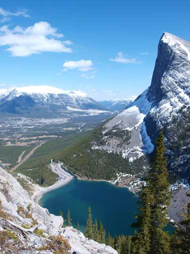 Not far up I got gorgeous view towards the pond and Bow Valley