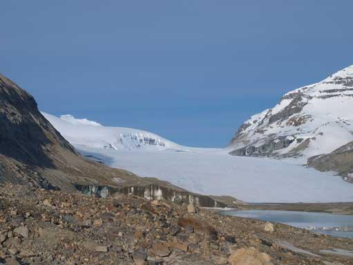 Now we got our first view of Saskatchewan Glacier