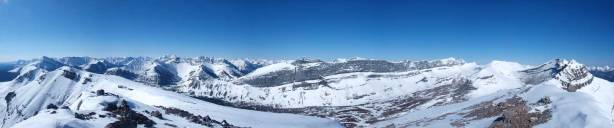 A panorama of the peaks towards Jasper Park