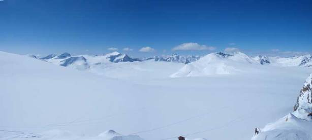 Another wide shot of Wapta Icefield