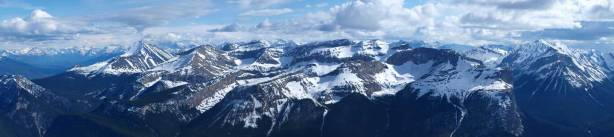 Panorama of Victoria Cross Range. Pyramid, Zengel and Buttress Mountains.