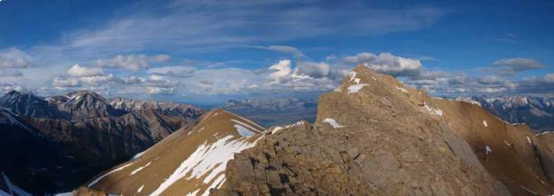 Beautiful panorama view from where I took the break. The peak is the false summit