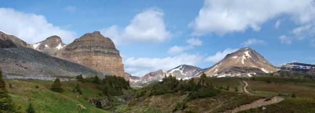 Crystal Ridge on left; Cirque Peak on right