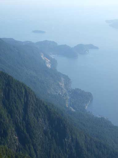 Zooming-in towards Horseshoe Bay. Note the Sea to Sky Highway below