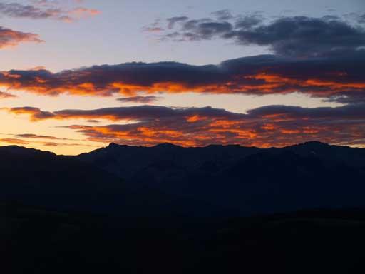 Gorgeous morning colours over Livingstone Range