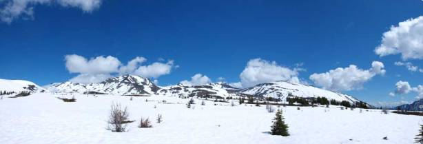 Panorama from this alpine environment. Looks very skiable