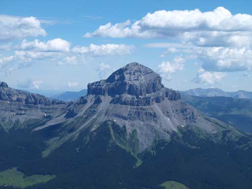 A closer look at Crowsnest Mountain