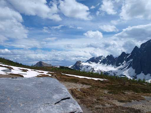 Hiking back down the Numa Pass Trail