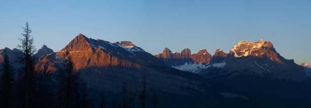 A long shot of Corona Ridge (left), and Mount Murchison (right)