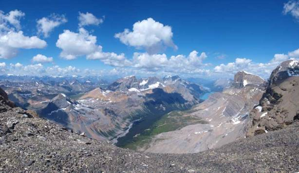 One last panorama before setting on the glacier again.