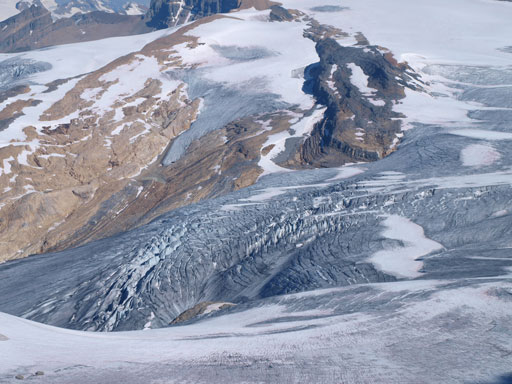 Zooming-in towards a crevassed area on Waputik Icefield