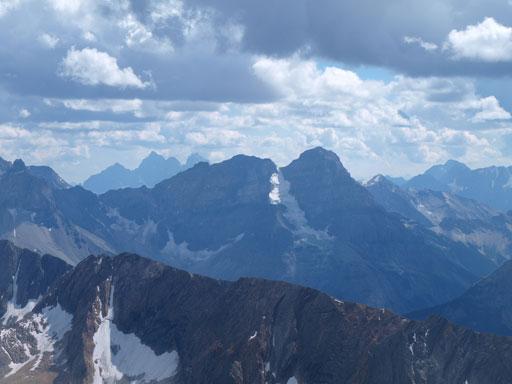 Goodsirs rise behind Mount Stephen