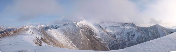 Panorama of the upper mountain of Wapiti.