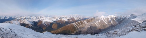 Panorama of the North side. So many unnamed peaks
