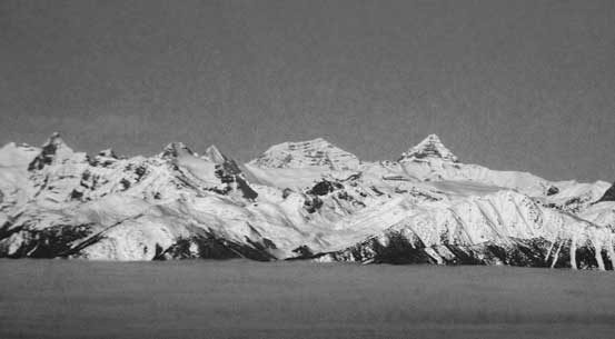 Zooming-in towards Mt. Clemenceau and Tsar Mountain - two of the most remote 11,000ers