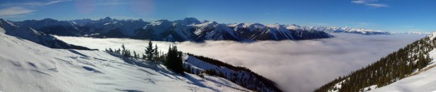One last panorama before going down into the trees