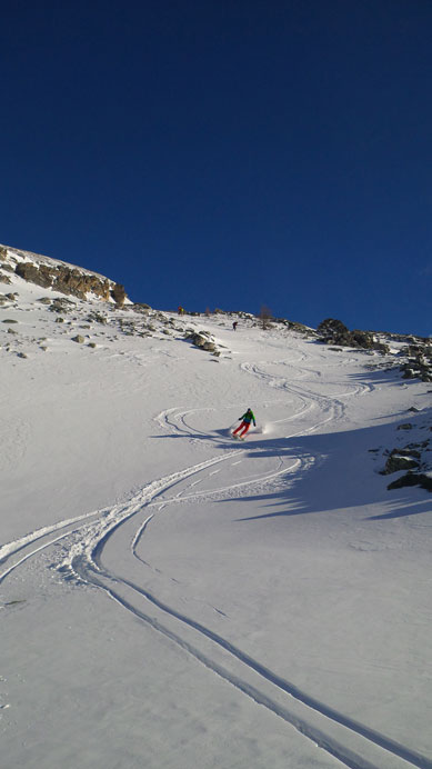 Awesome skiing in the lower gully