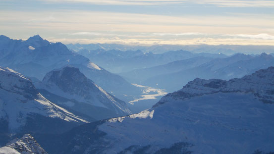 Great view of Kicking Horse Valley. I guess Balfour is visible from Highway 1 if you look for it.