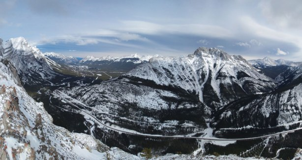 Panorama of Kananaskis Valley. Click to view large size.