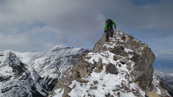 No slip on the narrow upper ridge