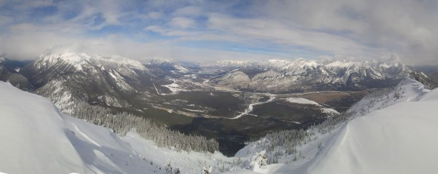 Panorama of Athabasca River Valley from the summit. Click to view large size.