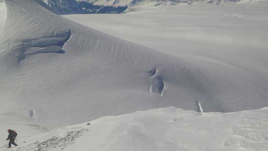 These are the crevasses to avoid during the diagonal traverse..