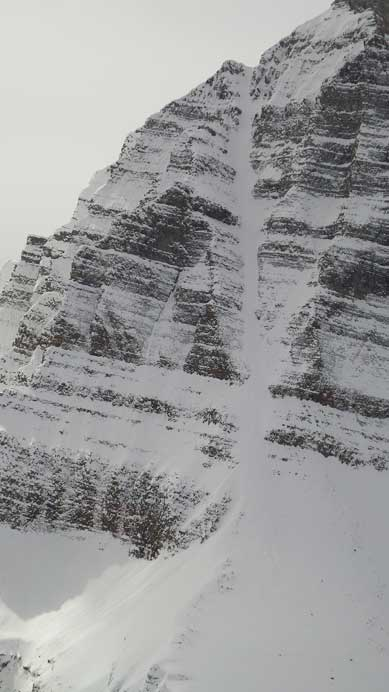 I'd be very happy if I can just climb this couloir... Skiing it? Oh man...