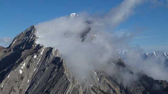 A closer look at Elliot Peak. Beautiful cloud formation