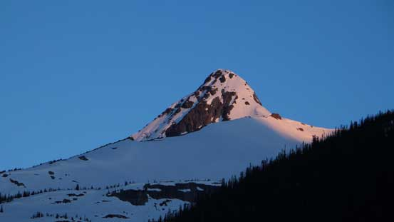 Alpenglow on Balu Peak