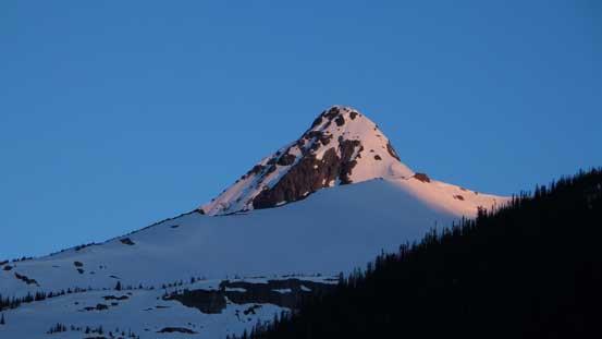 Alpenglow on Balu Peak