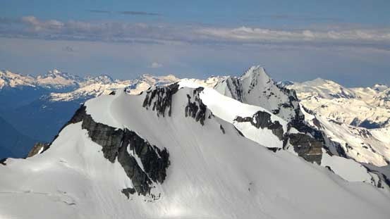 Despite the name suggests, Ursus Major Mountain (foreground) is lower in elevation than Ursus Minor.