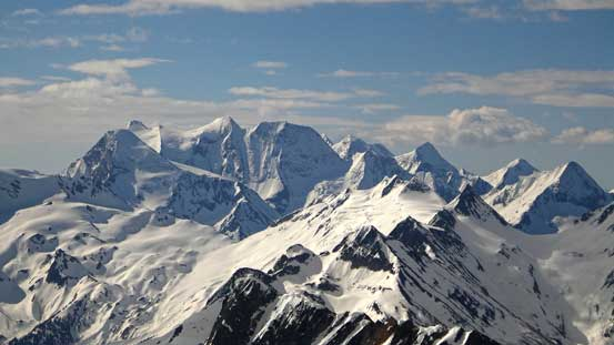 Mt. Dawson is the second highest peak in Selkirks. It's also an 11,000er.