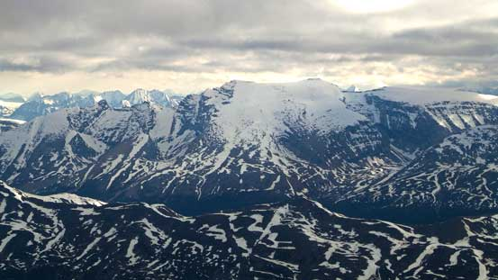Poboktan Mountain. It looks very similar to Sunwapta.