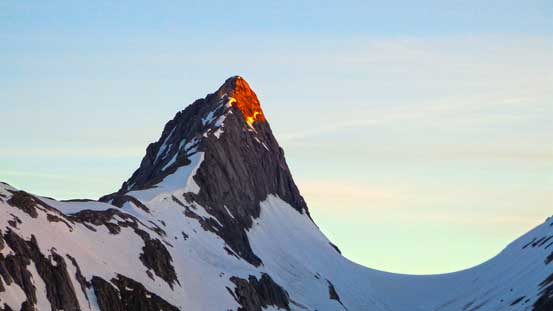Alpenglow on Mount Northover