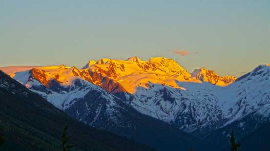 Evening glow on Youngs Peak and Asulkan area