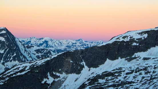 The classic reddish horizon before alpenglow