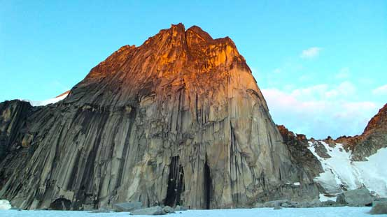 Alpenglow on Snowpatch Spire