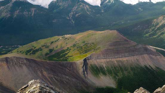 The bump of Mt. Lipsett