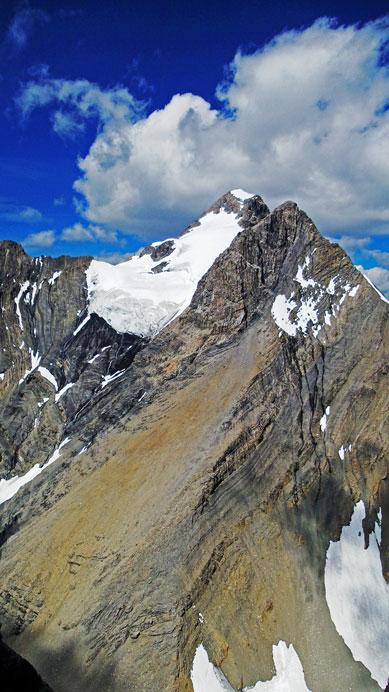 Straight ahead is the SE Ridge of Mt. King George