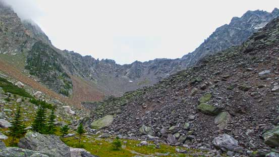 The upper bowl. the steep gully leads climber's left of the col