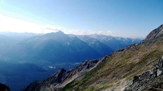 View towards Overlander Mountain