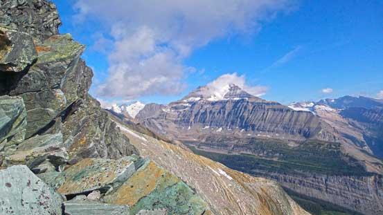 On the southeast ridge now, looking towards Whitehorn Mountain