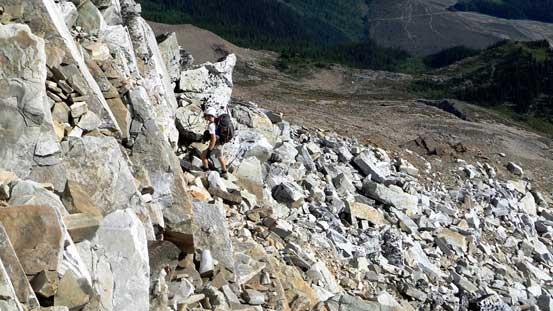 Typical scrambling on the SE ridge leading to false summit