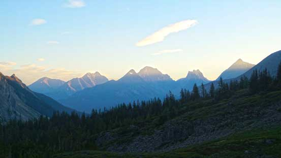 Morning colours on the familiar Kananaskis peaks - Galatea et al.